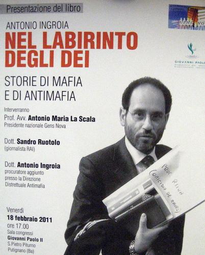 Antonio_Ingroia_libro