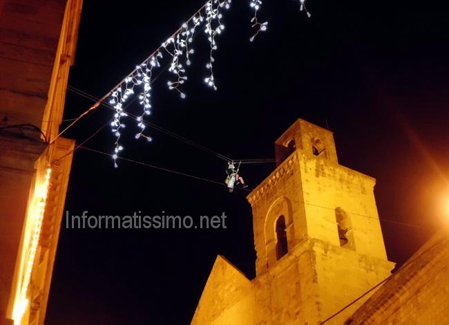 Epifania_la_befana_scende_dal_campanile2