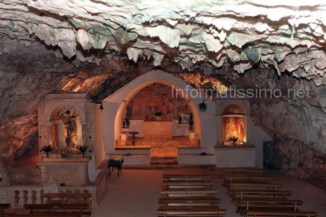 Grotta_di_S.Michele_Arcangelo_foto_Proloco_Putignano