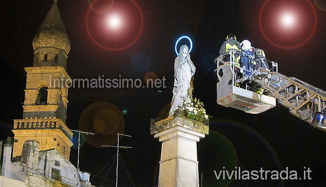 Immacolata_posa_santo_rosario