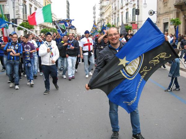 Alessio_sportelli_guida_il_corteo