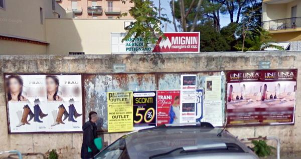 Vecchi_tabelloni_a_muro_low