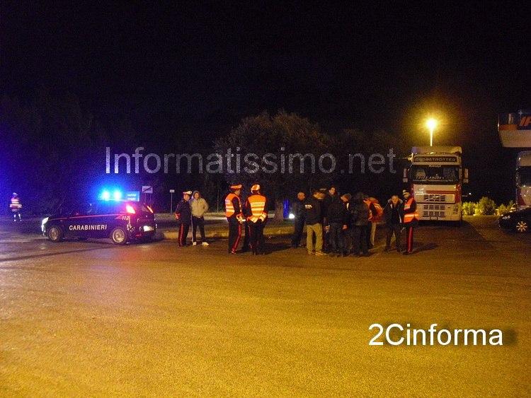 Carabinieri_-_tir_messi_in_sicurezza_nella_stazione_di_servizio_-_Putignano_2