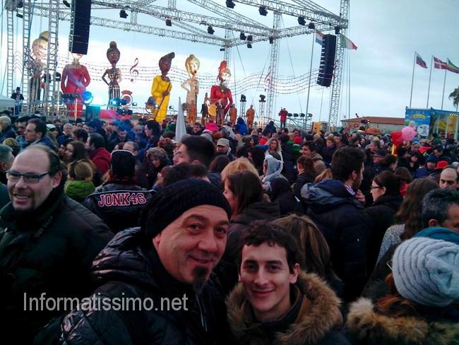 Carnevale_di_Viareggio_2014_gita_Francone_low