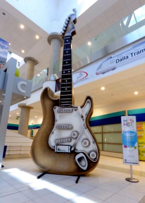 Cartapesta_chitarra_di_Dani_Bianco