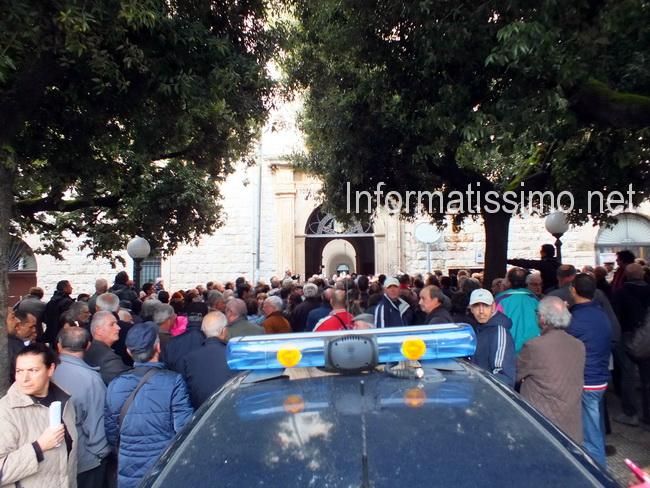Comune_protesta_Tari2