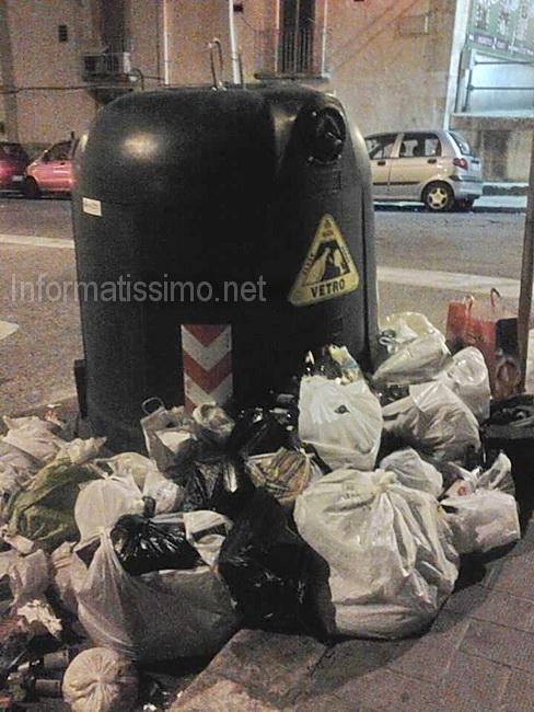 Differenziata_campane_del_vetro_stracolme
