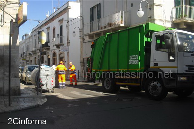 Foto_2cinforma__putignano_emergenza_rifiuti_2b_copy_copy