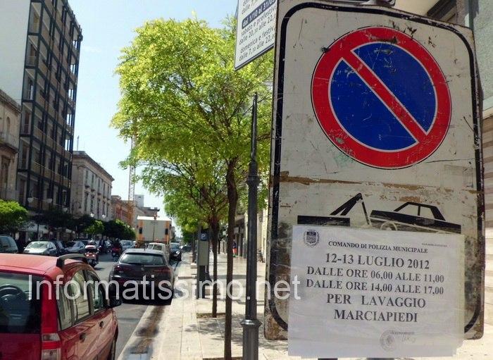 Lavaggio_marciapiedi5