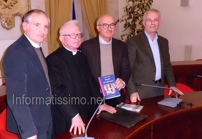 Libro_Sen_Mezzapesa__Vice_Sindaco_Carella_-_Don_Battista_-_Sen_Liuzzi_-_Prof._Sisto_low