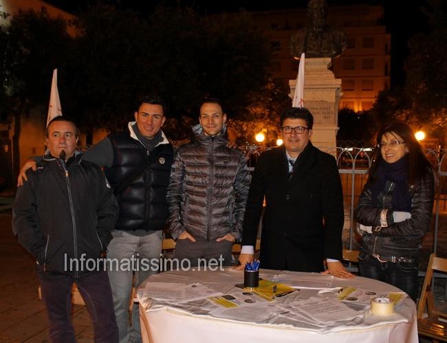 M5S_Putignano_firma_day