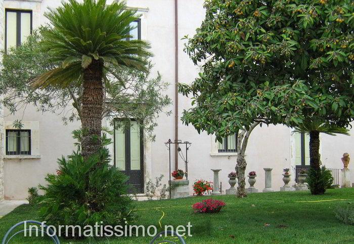 Museo_Civico_Romanazzi_Carducci_-_Putignano_giardino_pensile