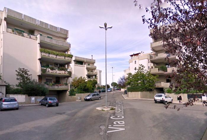 Parcheggio_selvaggio_Via_Verdi4
