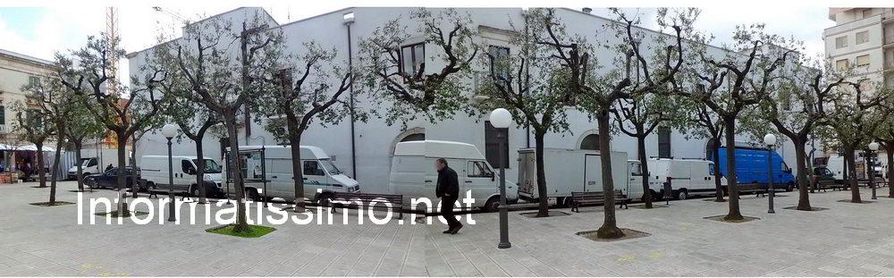 Piazza_XX_Settembre_furgoni_low