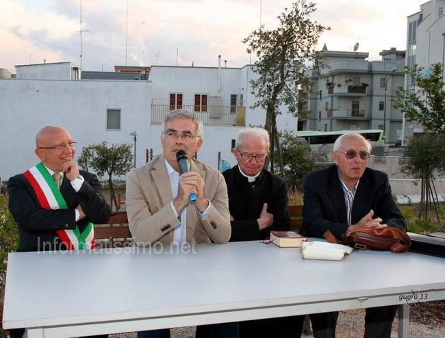 Pietro_Mezzapesa_inaugurazione_monumento