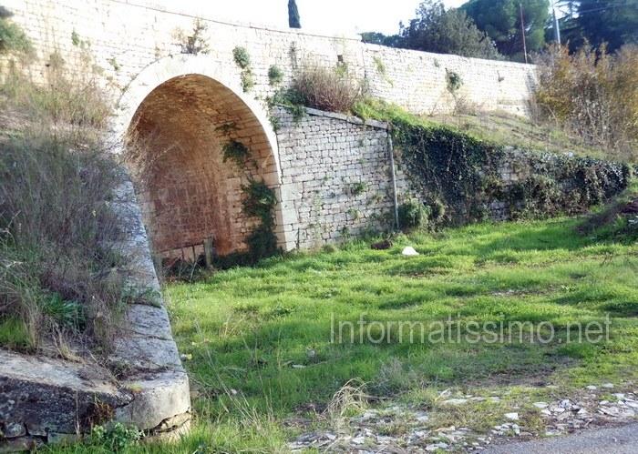 Ponte_C.da_Spine_Rossine_-_Putignano