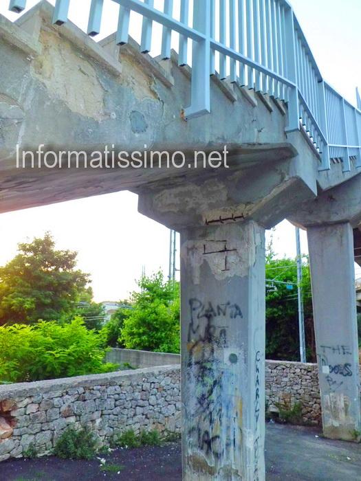 Ponte_pedonale_via_Conversano7b