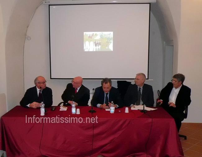 Prof_Pietro_Sisto_presentazione_volume_Putignano_in_festa_2_copy_copy