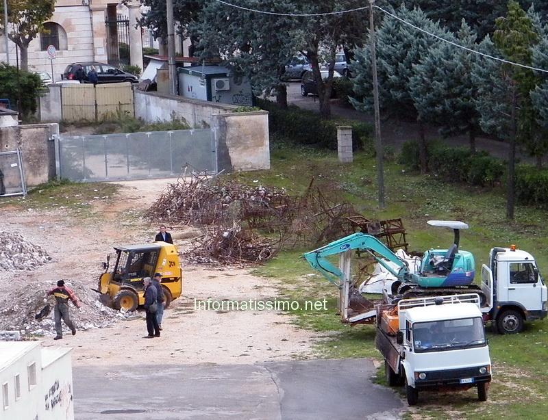 Pulizia_area_cimitero_2_copy