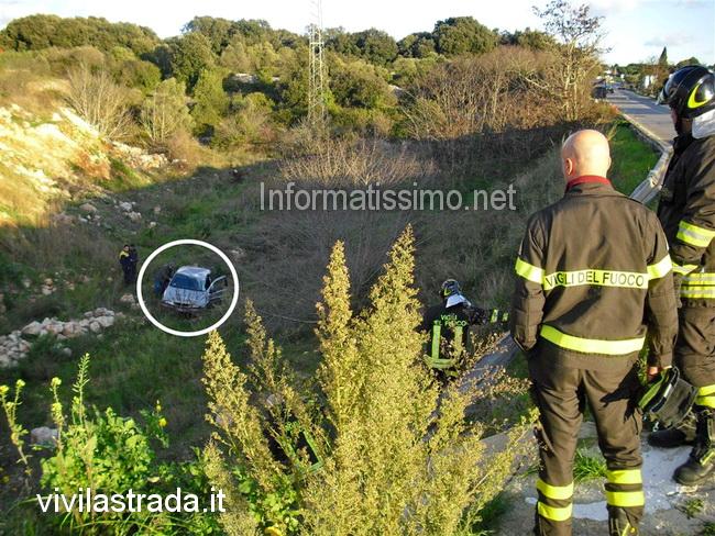 Rond_SS_172_VVF_auto_nella_scarpata