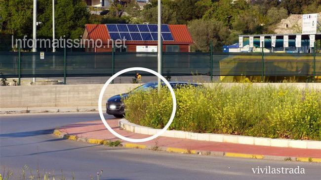 Rond_via_Alberobello_Putignano_erba_alta