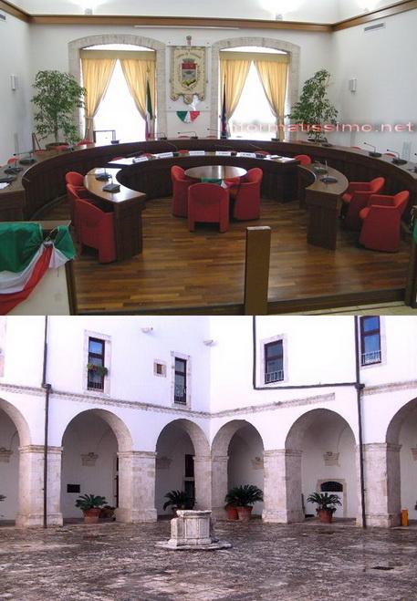Sala_Consiliare_e_Chiostro_Comunale_Putignano