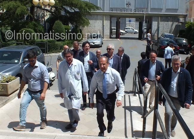 Schittulli_visita_Ospedale_di_Putignano4_low