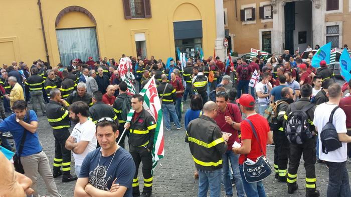VVF_Manifestazione_dignita_Roma