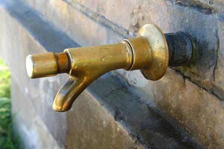 acquedotto-rubinetto450
