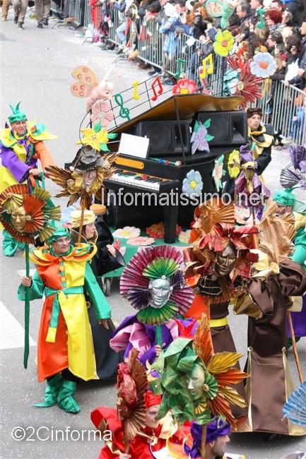 Carnevale_2014_gruppo_un_ballo_in_maschera_2C