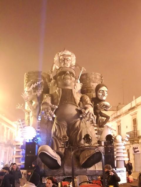 Carnevale_2017_Con_le_mani_Loperfido