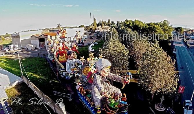 Carnevale_di_Putignano_Carri_vista_aerea