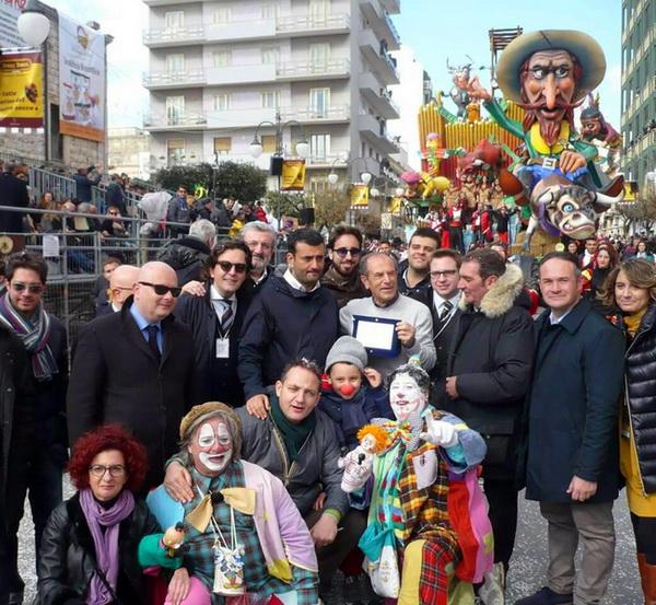 Carnevale_sfilata_politici