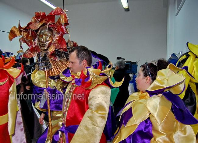 Gruppo_mascherato_Un_ballo_in_maschera_foto_Coop_Controcampo_2