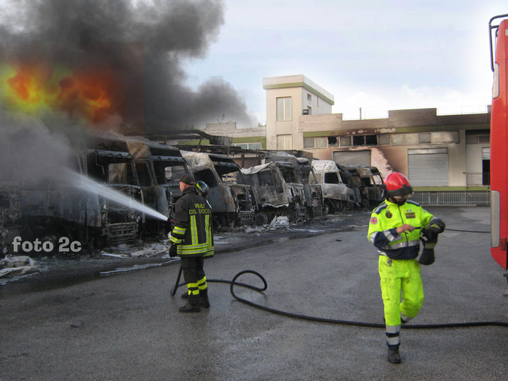 I mezzi in fiamme