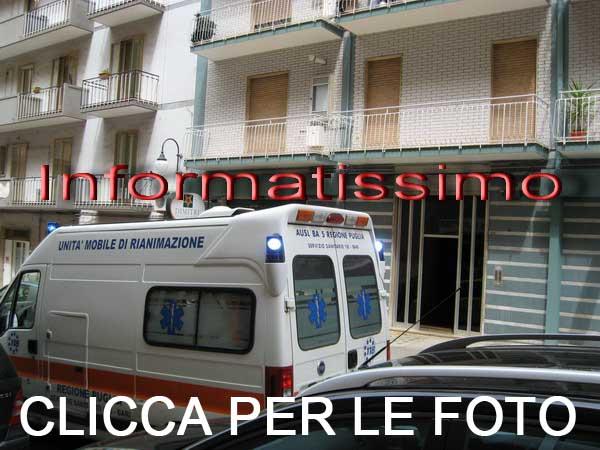 118_al_portone_della_defunta