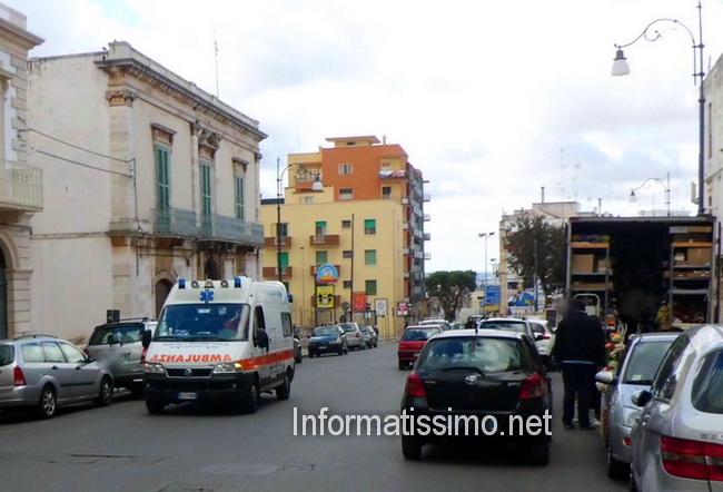 Ambulanza_al_mercato_pedone_investito