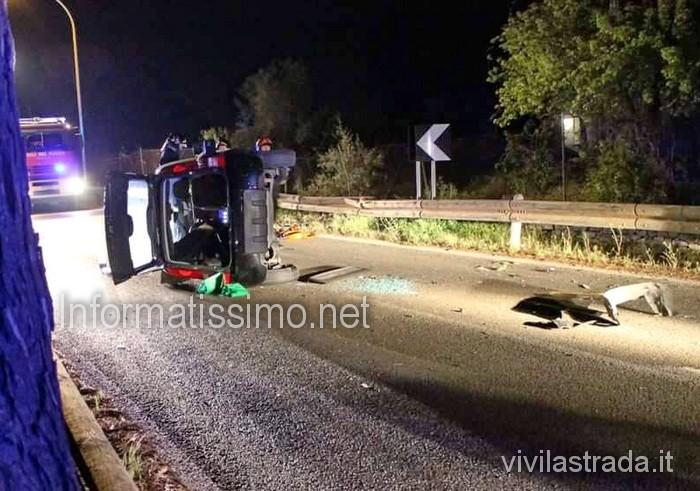 Auto_capovolta_sp_120_Castellana-Polignano