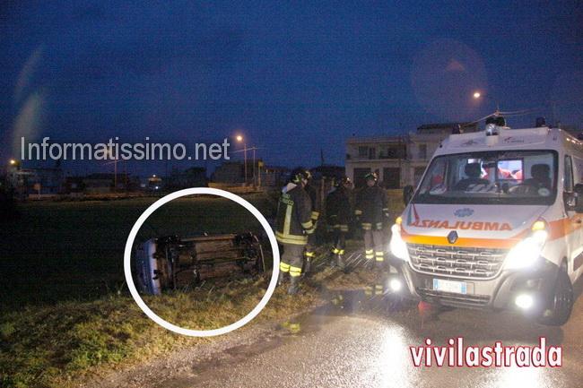 Auto_fuori_strada_a_Castellana