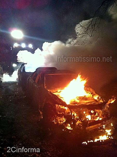 Auto_incendiate_a_Conversano