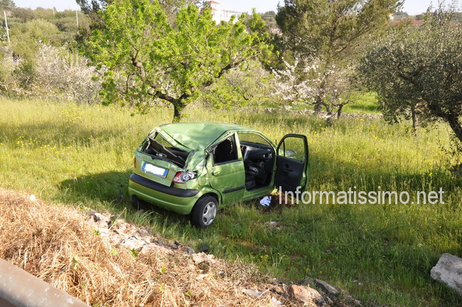 Auto_nella_scarpata_SS_172_e