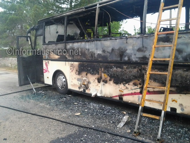 Bus_in_fiamme_sp_113_c