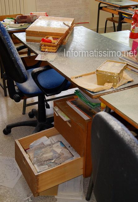 CC_Alberobello_atti_vandalici_scuola_elementare2