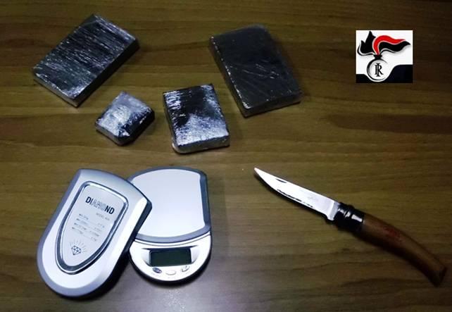 CC_Mola_di_Bari_-_droga_2