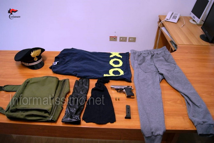 CC_Putignano_-_Materiale_nascosto_in_auto_rubata