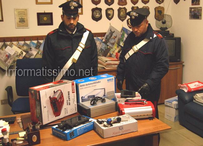 CC_Putignano_merce_rinvenuta_furto_autosalone