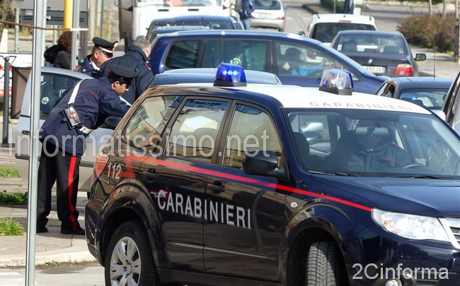 Carabinieri_Putignano_intervento_su_richiesta_daiuto