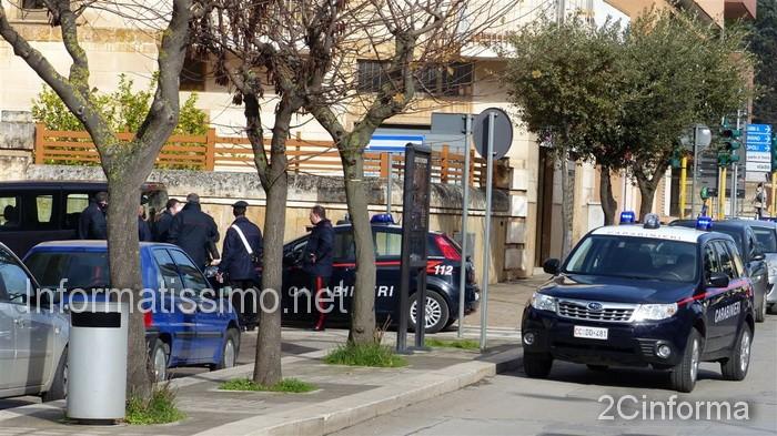 Carabinieri_Putignano_intervento_su_richiesta_daiuto2