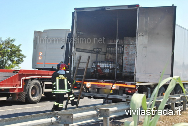 Cozze_camion_a_fuoco_SS16_b