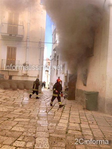 Incendio_abitazione_centro_storico_Castellana2